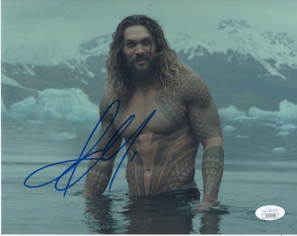 Jason Momoa Aquaman Signed Autograph 8x10 Photo JSA COA #2 - Outlaw Hobbies Authentic Autographs