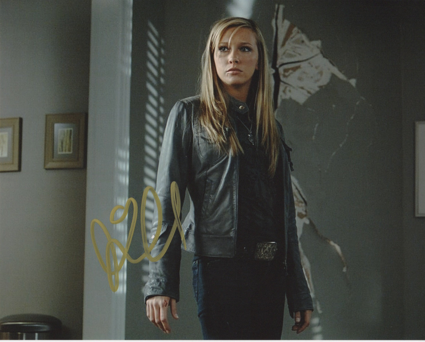 Katie Cassidy Supernatural Autograph 8x10 Photo Signed #3