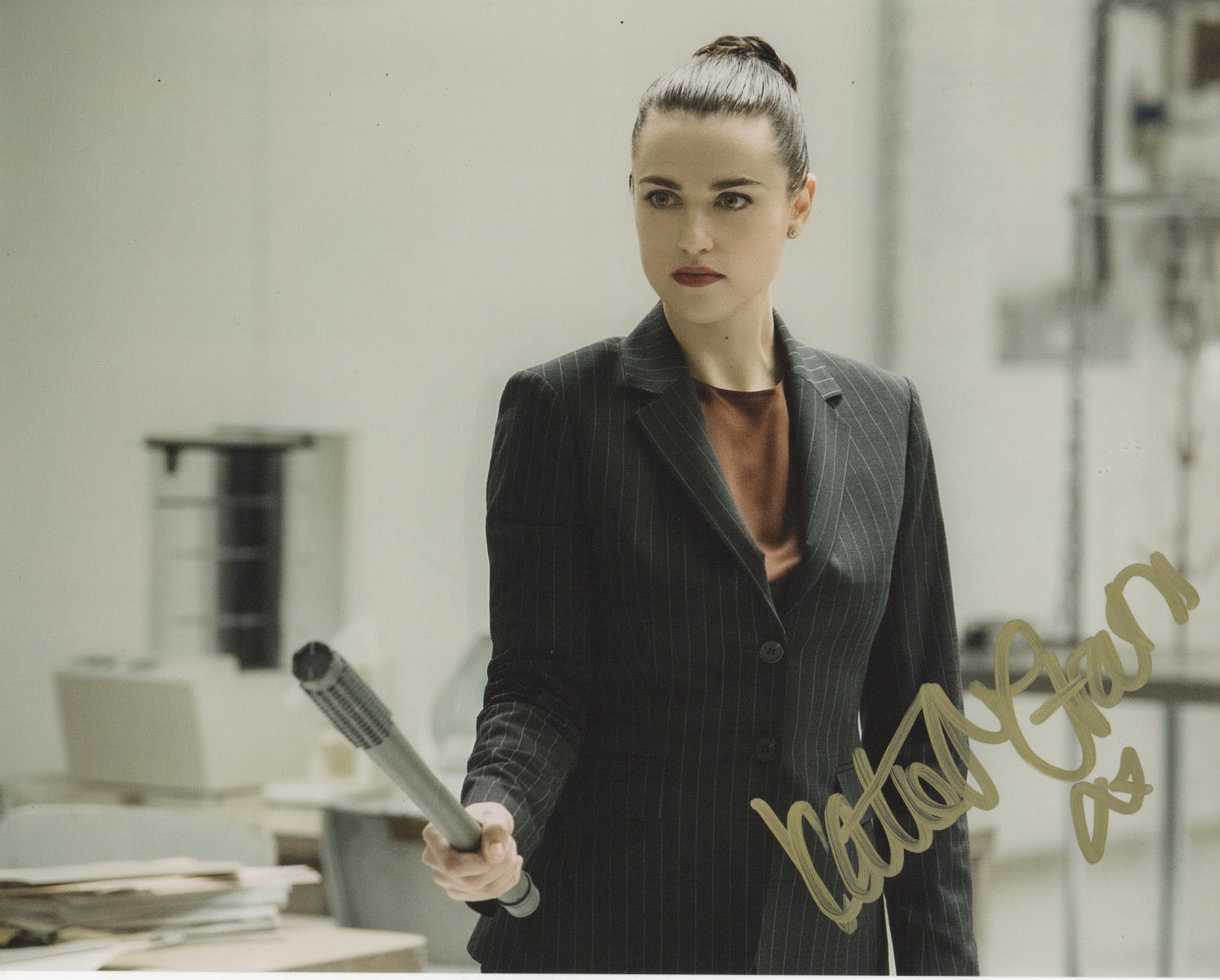 Katie McGrath Supergirl Signed Autograph 8x10 Photo #29