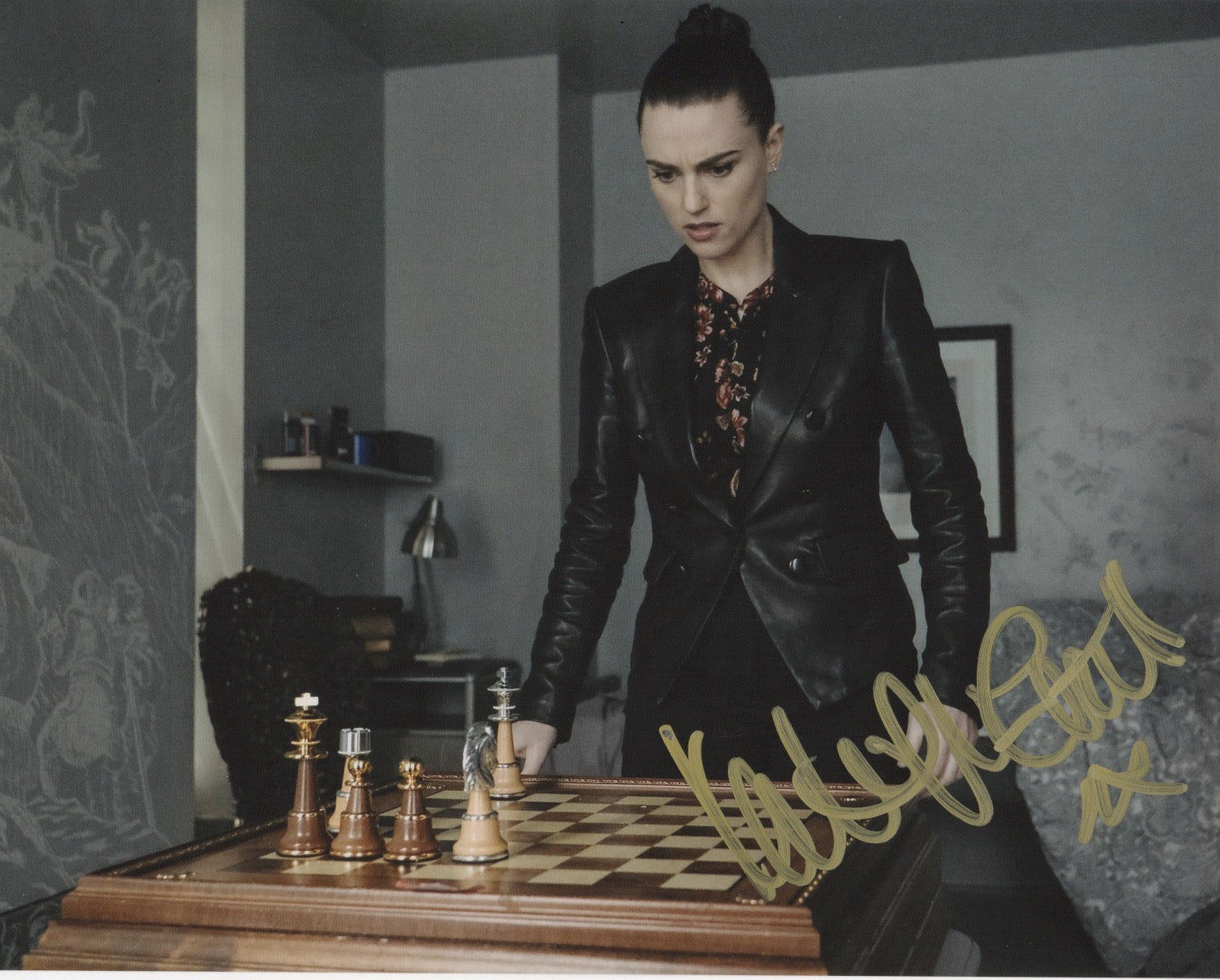 Katie McGrath Signed Autograph 8x10 Photo Supergirl #22 - Outlaw Hobbies Authentic Autographs