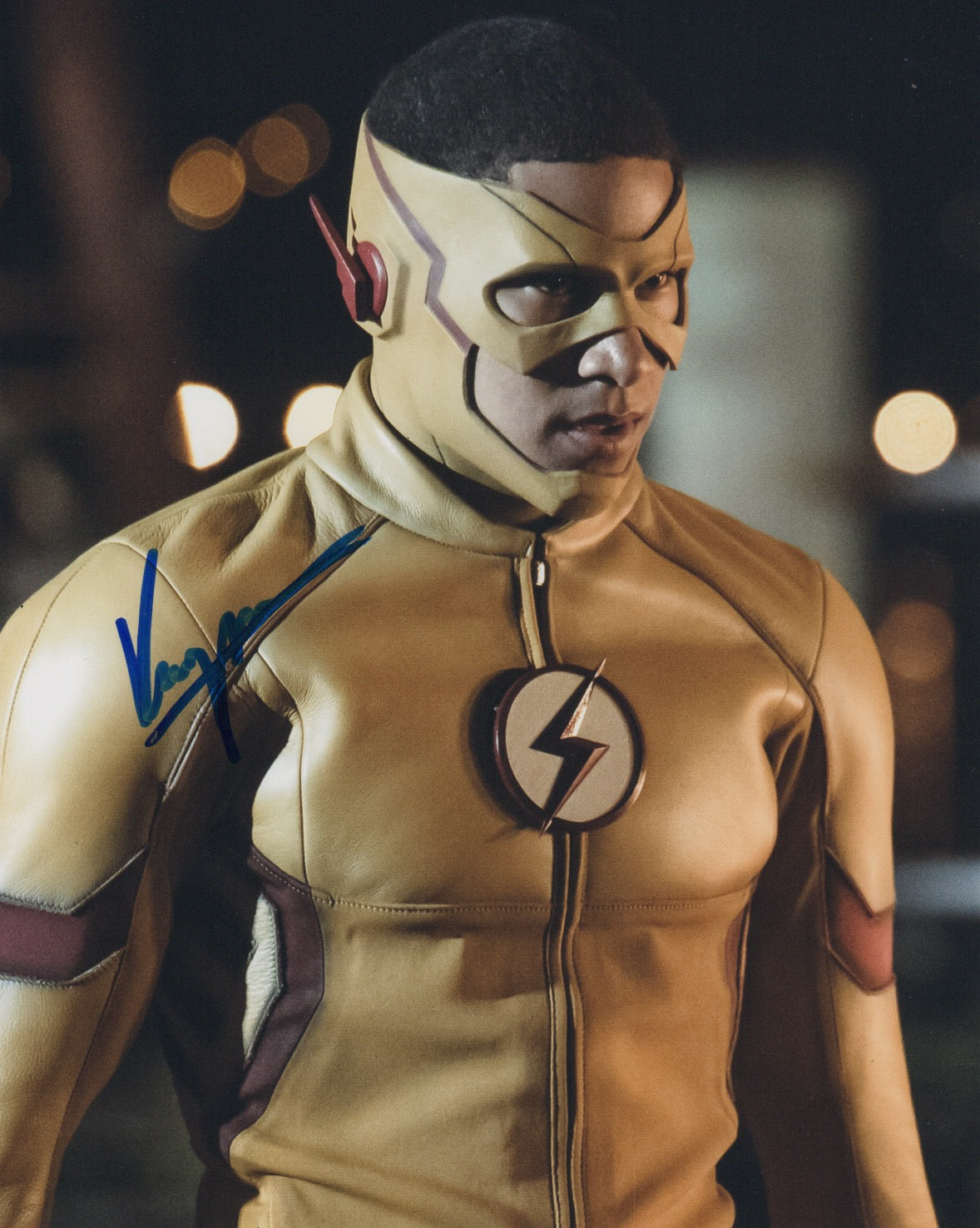 Keiynan Lonsdale Kid Flash Signed Autograph 8x10 Photo #2 - Outlaw Hobbies Authentic Autographs