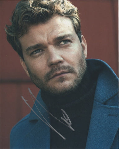 Pilou Asbaek Game of Thrones Signed Autograph 8x10 Photo - Outlaw Hobbies Authentic Autographs