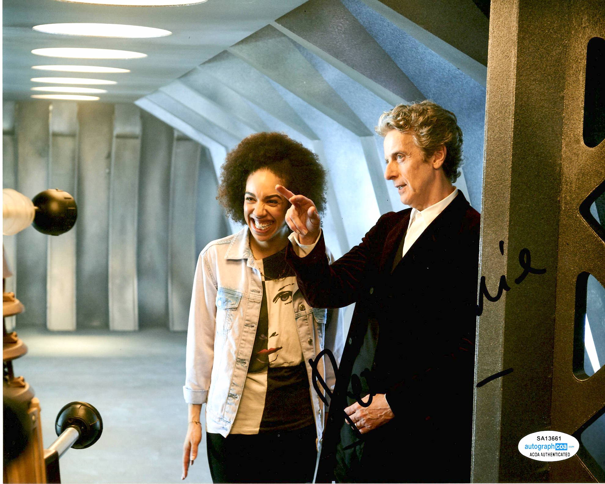 Pearl Mackie Doctor Who Signed Autograph 8x10 Photo - Outlaw Hobbies Authentic Autographs