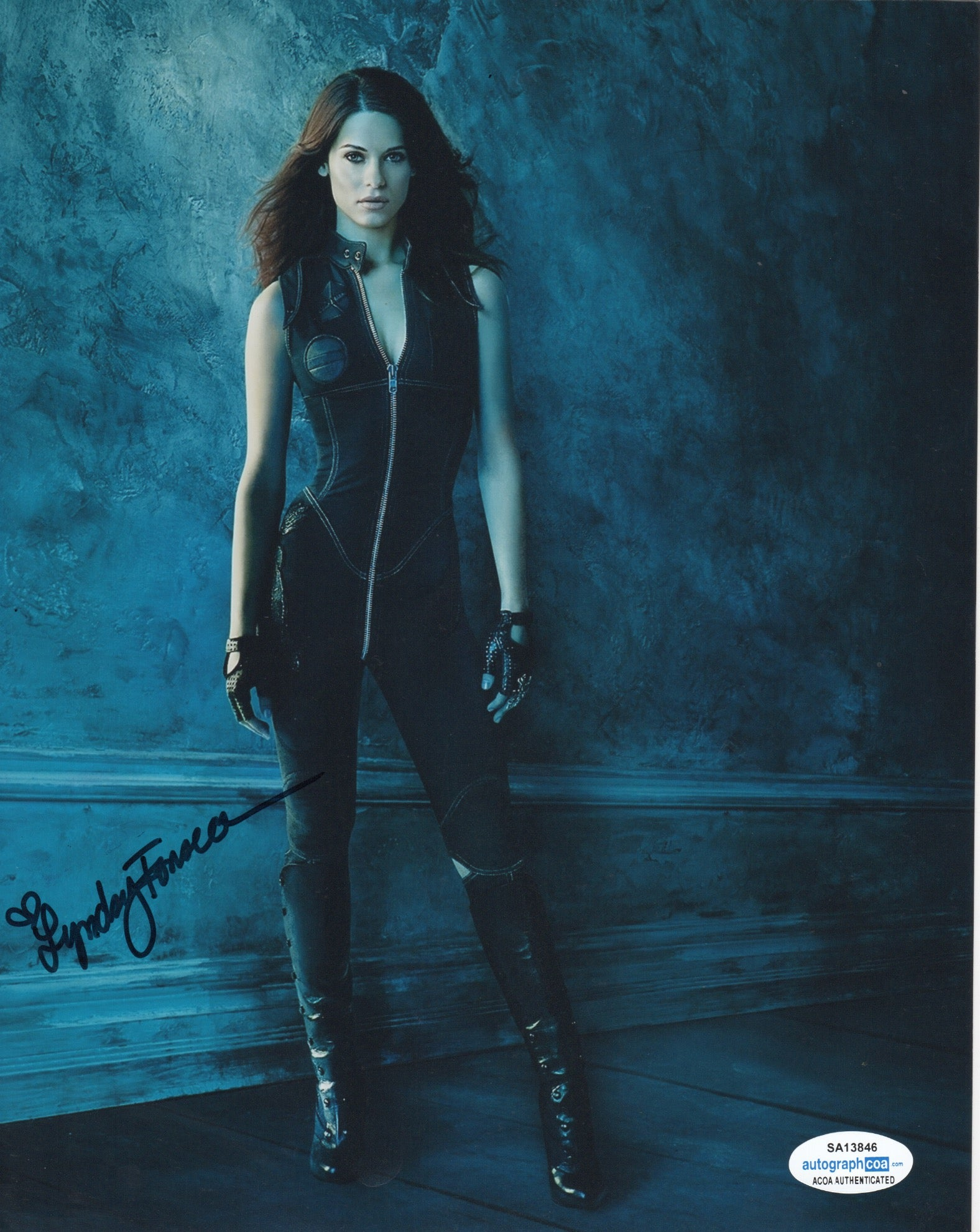 Lyndsy Fonseca Sexy Nikita Signed Autograph 8x10 Photo - Outlaw Hobbies Authentic Autographs