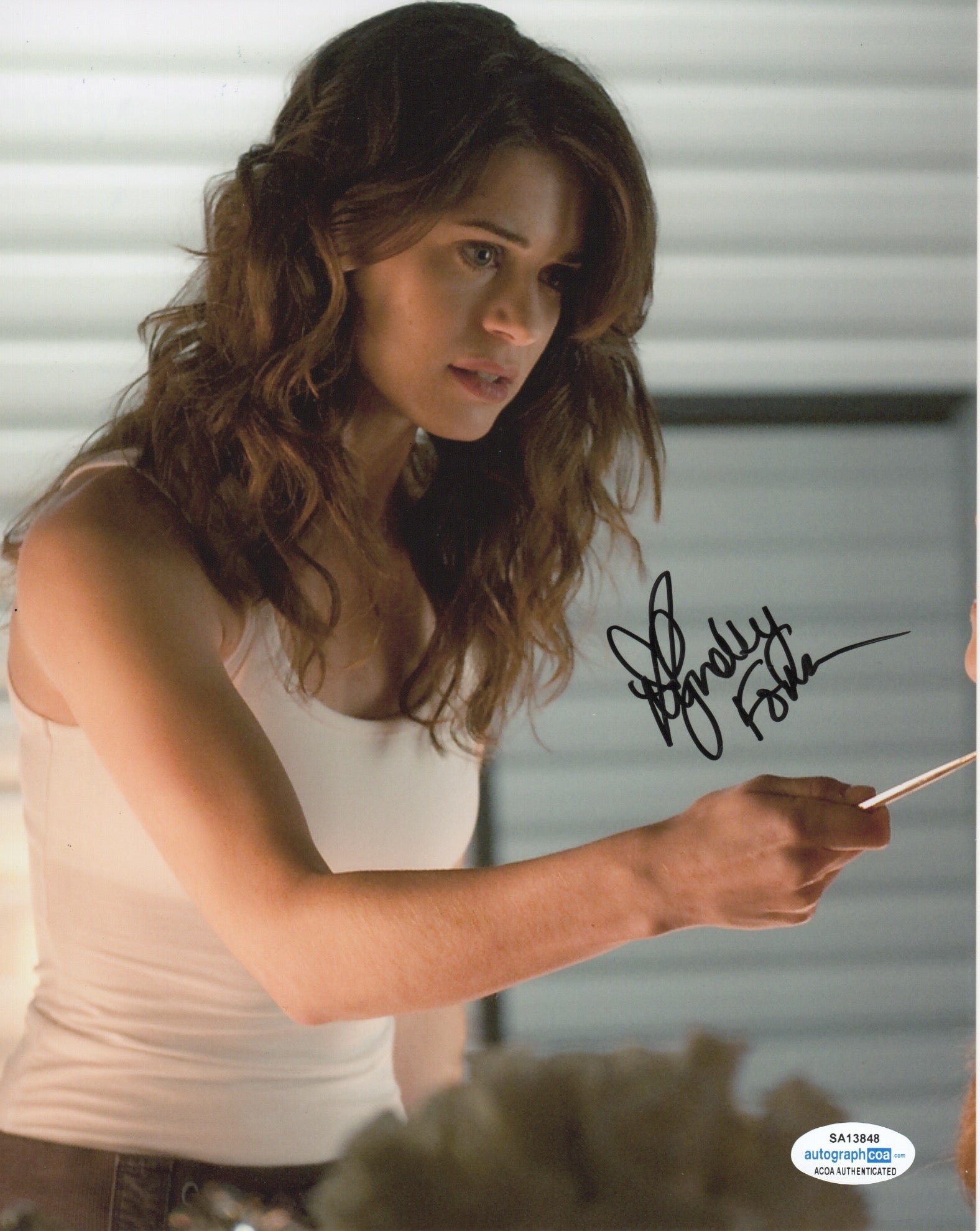 Lyndsy Fonseca Sexy Nikita Signed Autograph 8x10 Photo #3 - Outlaw Hobbies Authentic Autographs