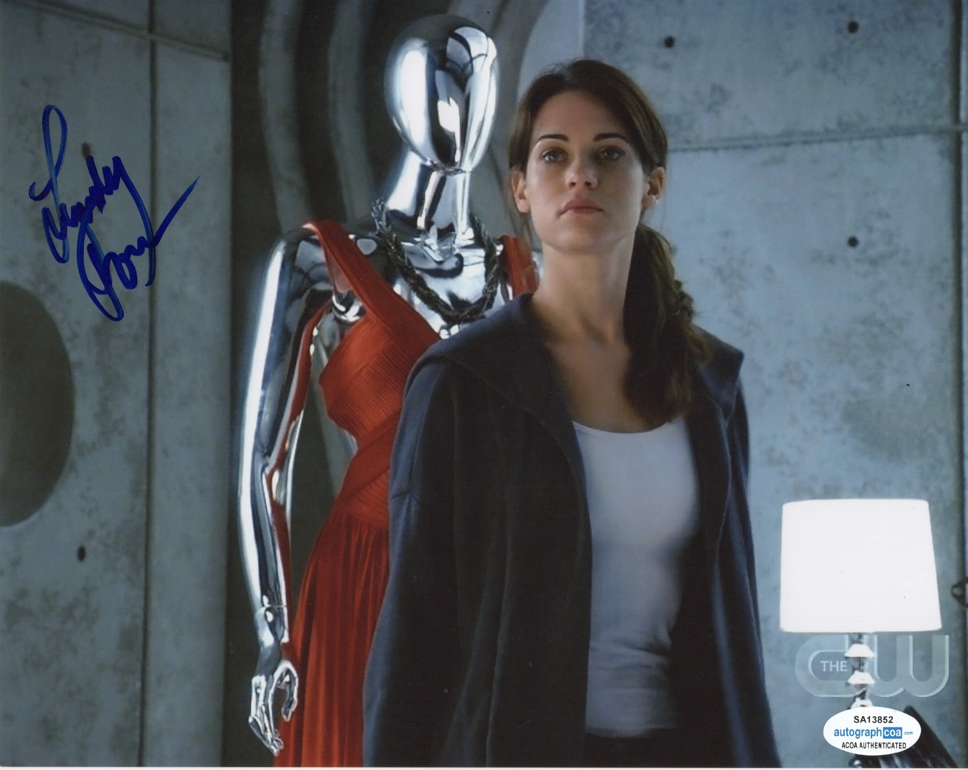Lyndsy Fonseca Sexy Nikita Signed Autograph 8x10 Photo #7 - Outlaw Hobbies Authentic Autographs