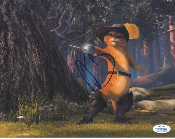 Antonio Banderas Puss in Boots Shrek Signed Autograph 8x10 Photo ACOA - Outlaw Hobbies Authentic Autographs