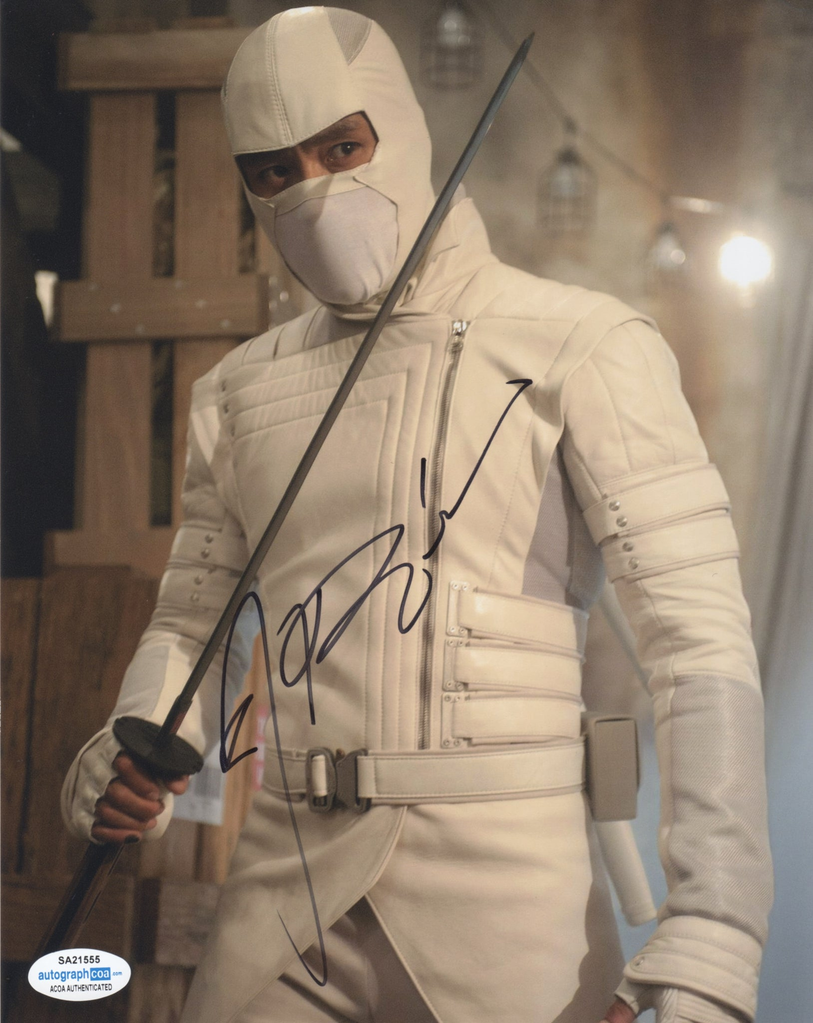 Lee Byung-Hun GI Joe Signed Autograph 8x10 Photo ACOA - Outlaw Hobbies Authentic Autographs