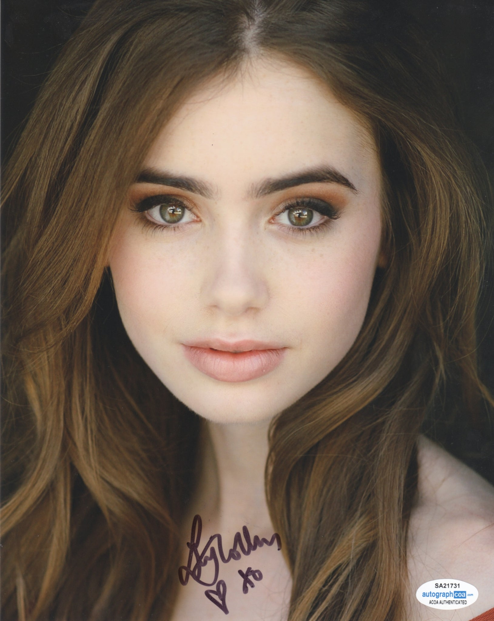 Lily Collins Sexy Signed Autograph 8x10 Photo ACOA #4 - Outlaw Hobbies Authentic Autographs