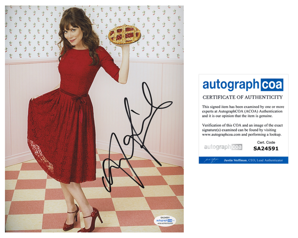 Anna Friel Pushing Daisies Signed Autograph 8x10 Photo ACOA #8 - Outlaw Hobbies Authentic Autographs