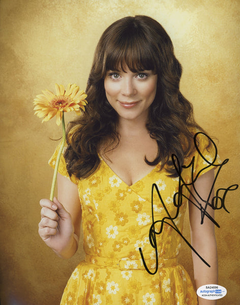 Anna Friel Pushing Daisies Signed Autograph 8x10 Photo ACOA #5 - Outlaw Hobbies Authentic Autographs