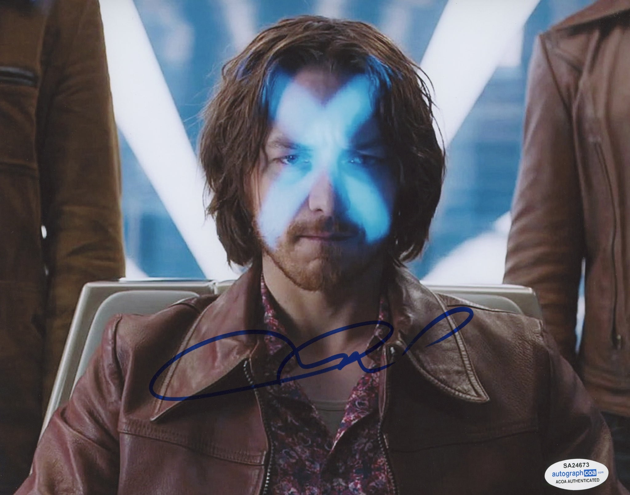 James McAvoy X-Men Professor X Signed Autograph 8x10 Photo ACOA - Outlaw Hobbies Authentic Autographs