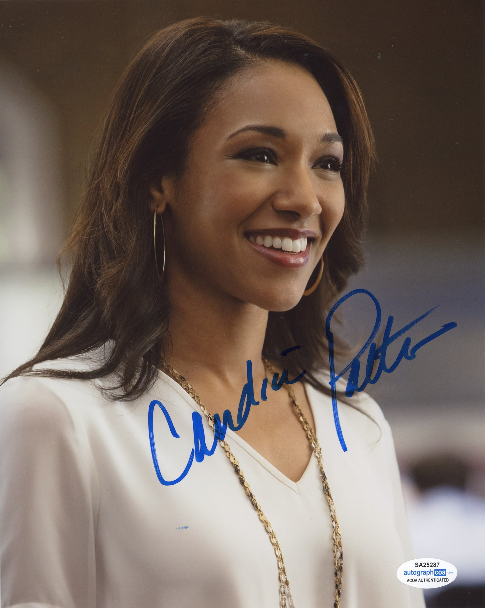 Candice Patton The Flash Sexy Signed Autograph 8x10 Photo ACOA Arrow - Outlaw Hobbies Authentic Autographs