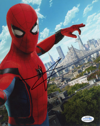 Tom Holland Spiderman Autograph Signed 8x10 Photo ACOA