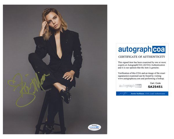 Bailee Madison Sexy Signed Autograph 8x10 Photo ACOA #2