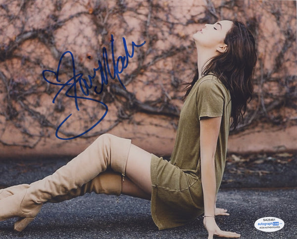 Bailee Madison Sexy Signed Autograph 8x10 Photo ACOA #12