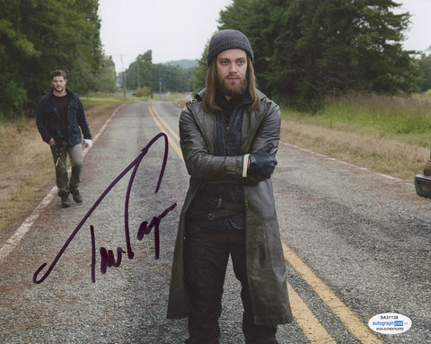 Tom Payne Walking Dead Signed Autograph 8x10 Photo ACOA