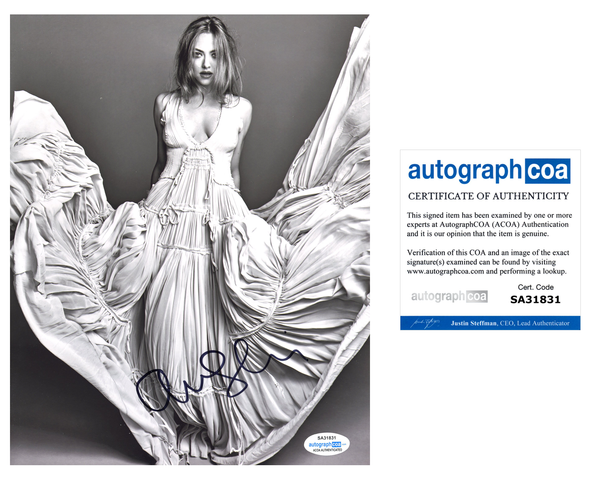 Amanda Seyfried Sexy Signed Autograph 8x10 Photo ACOA #7