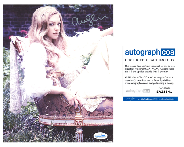 Amanda Seyfried Sexy Signed Autograph 8x10 Photo ACOA #17 - Outlaw Hobbies Authentic Autographs