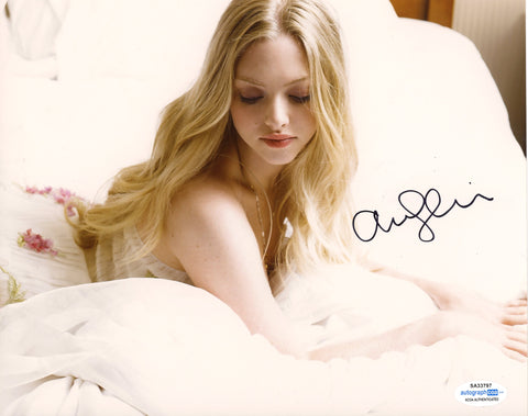 Amanda Seyfried Sexy Signed Autograph 8x10 Photo ACOA - Outlaw Hobbies Authentic Autographs