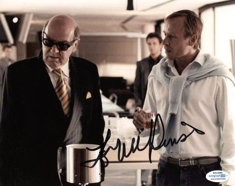 Tom Wilkinson RockNRolla Signed Autograph 8x10 Photo ACOA - Outlaw Hobbies Authentic Autographs