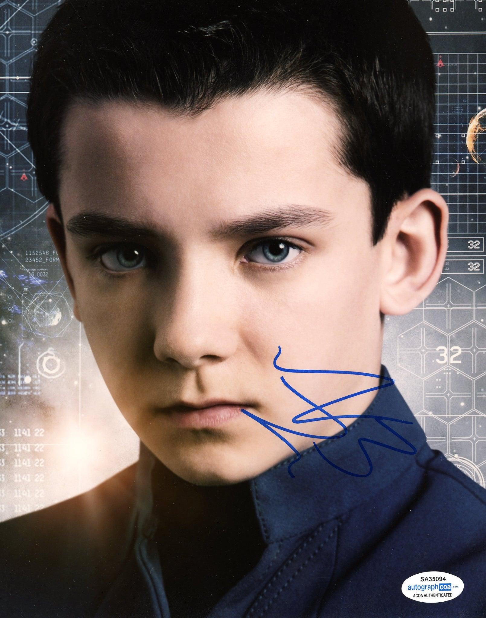 Asa Butterfield Ender's Game Signed Autograph 8x10 Photo ACOA - Outlaw Hobbies Authentic Autographs