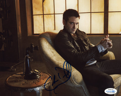 Colin Donnell Arrow Signed Autograph 8x10 Photo ACOA #2
