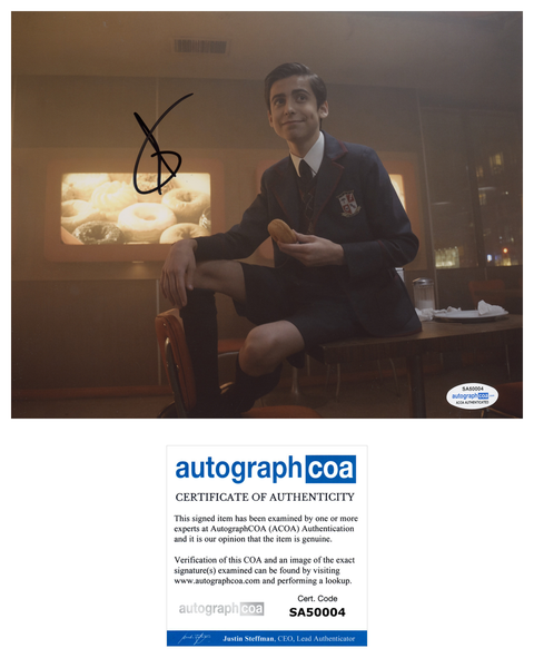 Aidan Gallagher Umbrella Academy Signed Autograph 8x10 Photo ACOA