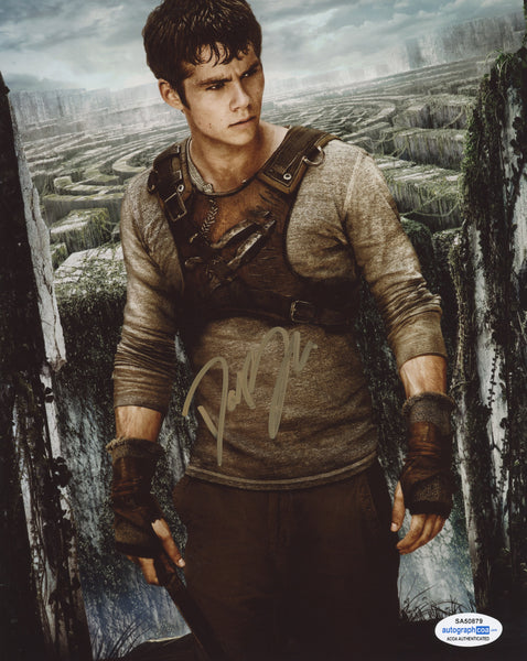 Dylan O'Brien Maze Runner Signed Autograph 8x10 Photo ACOA