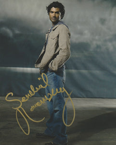 Sendhil Ramamurthy Heroes Signed Autograph 8x10 Photo #2 - Outlaw Hobbies Authentic Autographs
