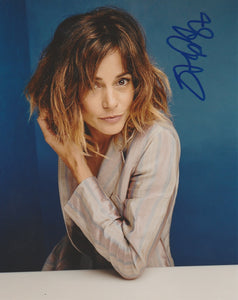 Stephanie Szostak AMLT Signed Autograph 8x10 Photo - Outlaw Hobbies Authentic Autographs