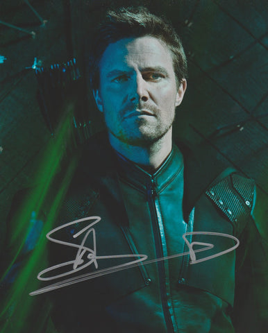 Stephen Amell Arrow Signed Autograph 8x10 Photo #1