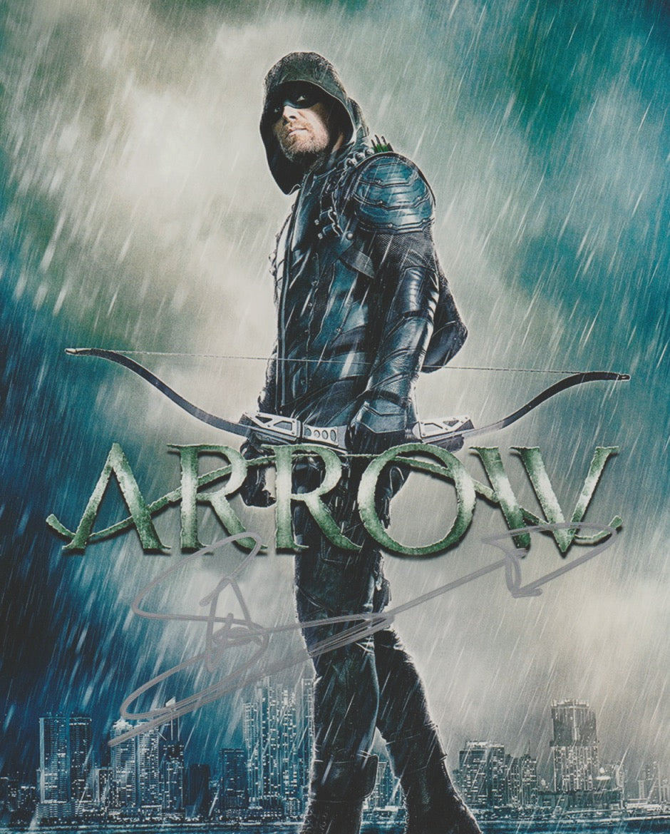 Stephen Amell Arrow Signed Autograph 8x10 Photo #11