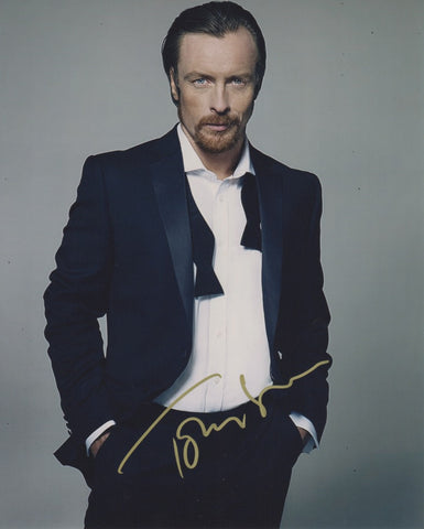 Toby Stephens Lost in Space Signed Autograph 8x10 Photo COA #9