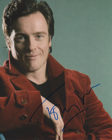 Toby Stephens Lost in Space Signed Autograph 8x10 Photo COA #8 - Outlaw Hobbies Authentic Autographs