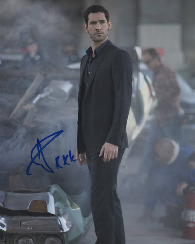 Tom Ellis Lucifer Signed Autograph 8x10 Photo #9 - Outlaw Hobbies Authentic Autographs