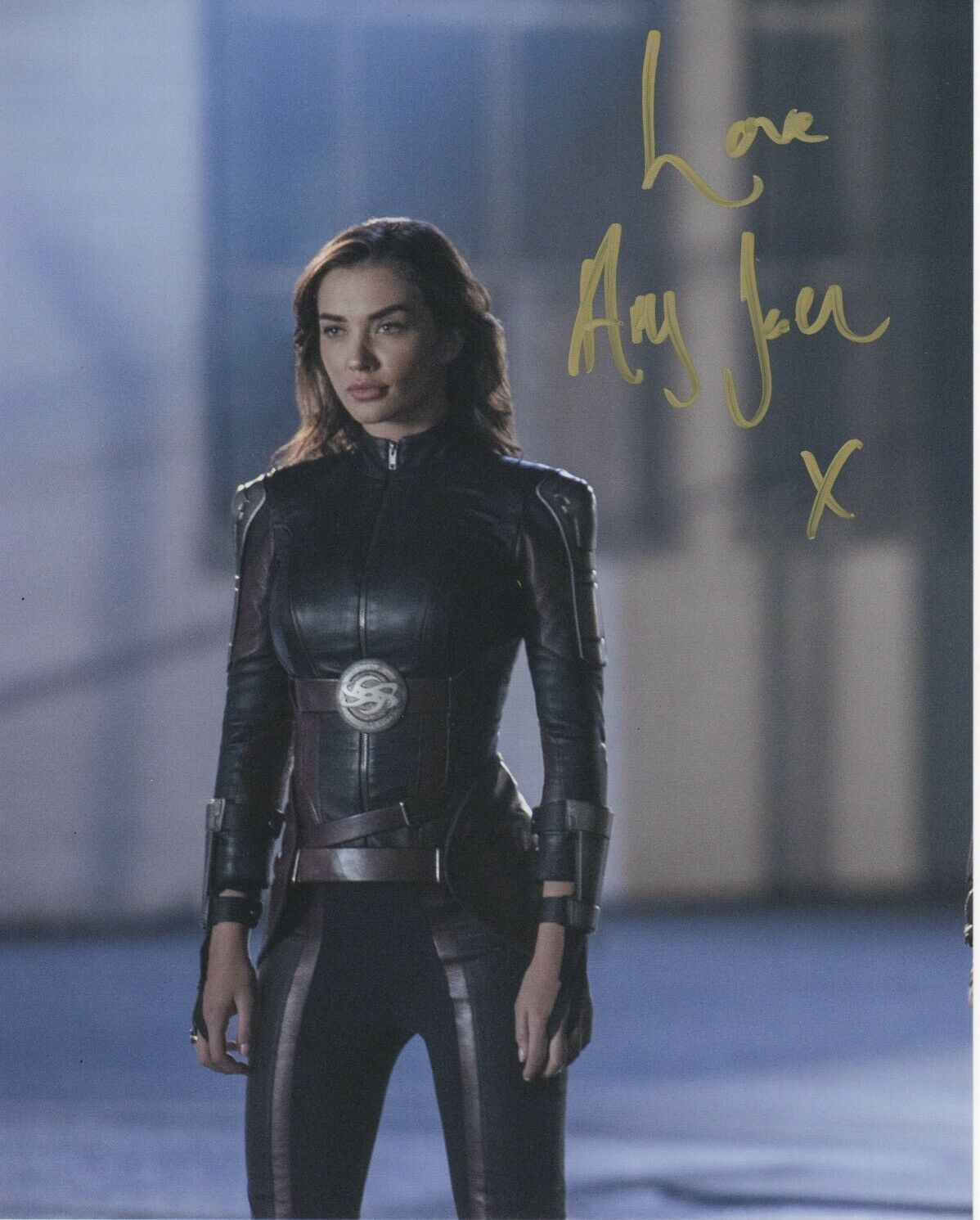 Amy Jackson Supergirl Signed Autograph 8x10 Photo #7 - Outlaw Hobbies Authentic Autographs