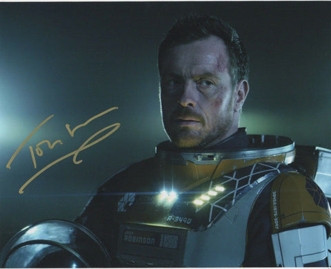 Toby Stephens Lost In Space Signed Autograph 8x10 Photo #4 - Outlaw Hobbies Authentic Autographs