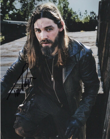 Tom Payne Walking Dead Signed Autograph 8x10 Photo - Outlaw Hobbies Authentic Autographs