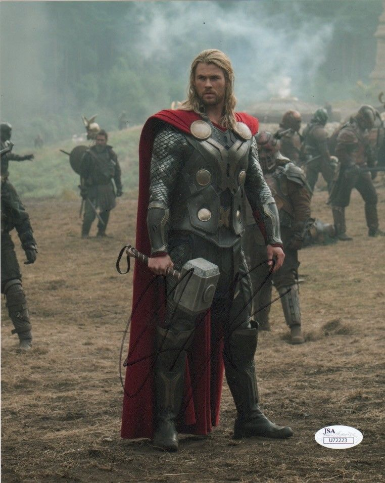 Chris Hemsworth Thor Autograph 8x10 Photo JSA Marvel #3 - Outlaw Hobbies Authentic Autographs