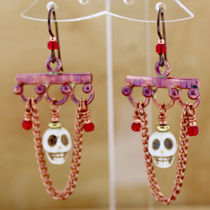 Skull Earrings w/Chain