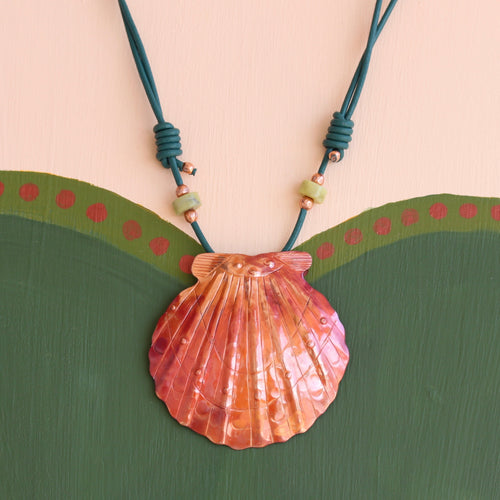 Big Scallop Shell Necklace