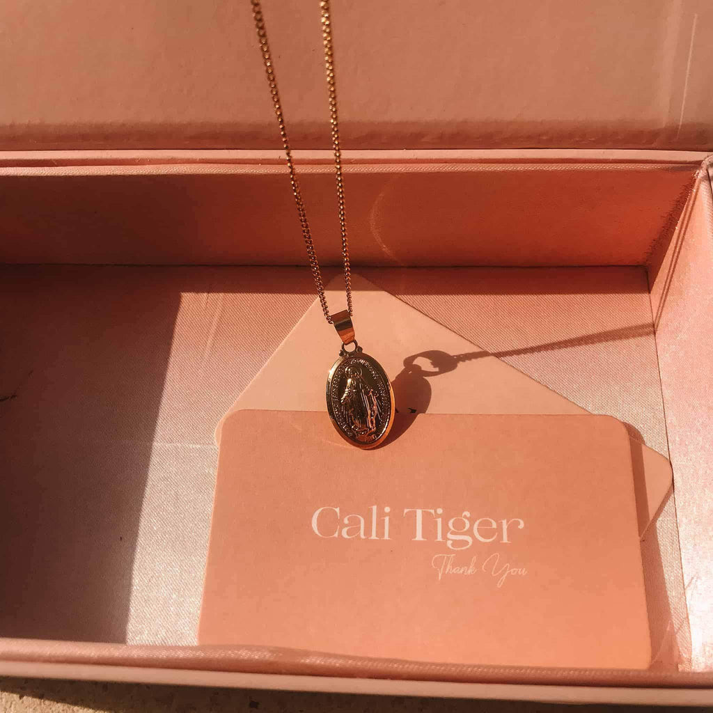 Cali Tiger 'For The Sun Lovers' Box