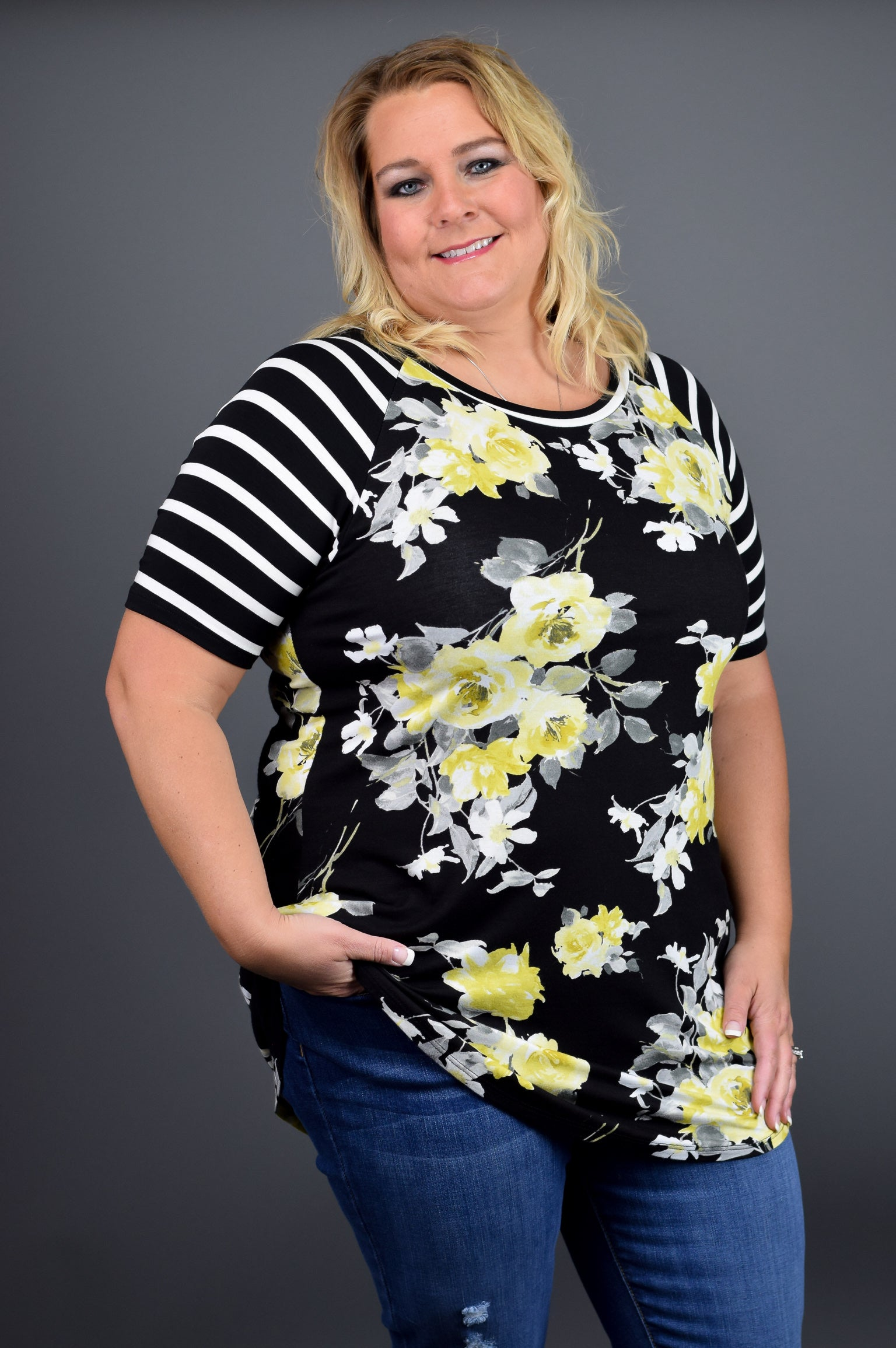 Mixing Things Up Floral Tee- Curvy