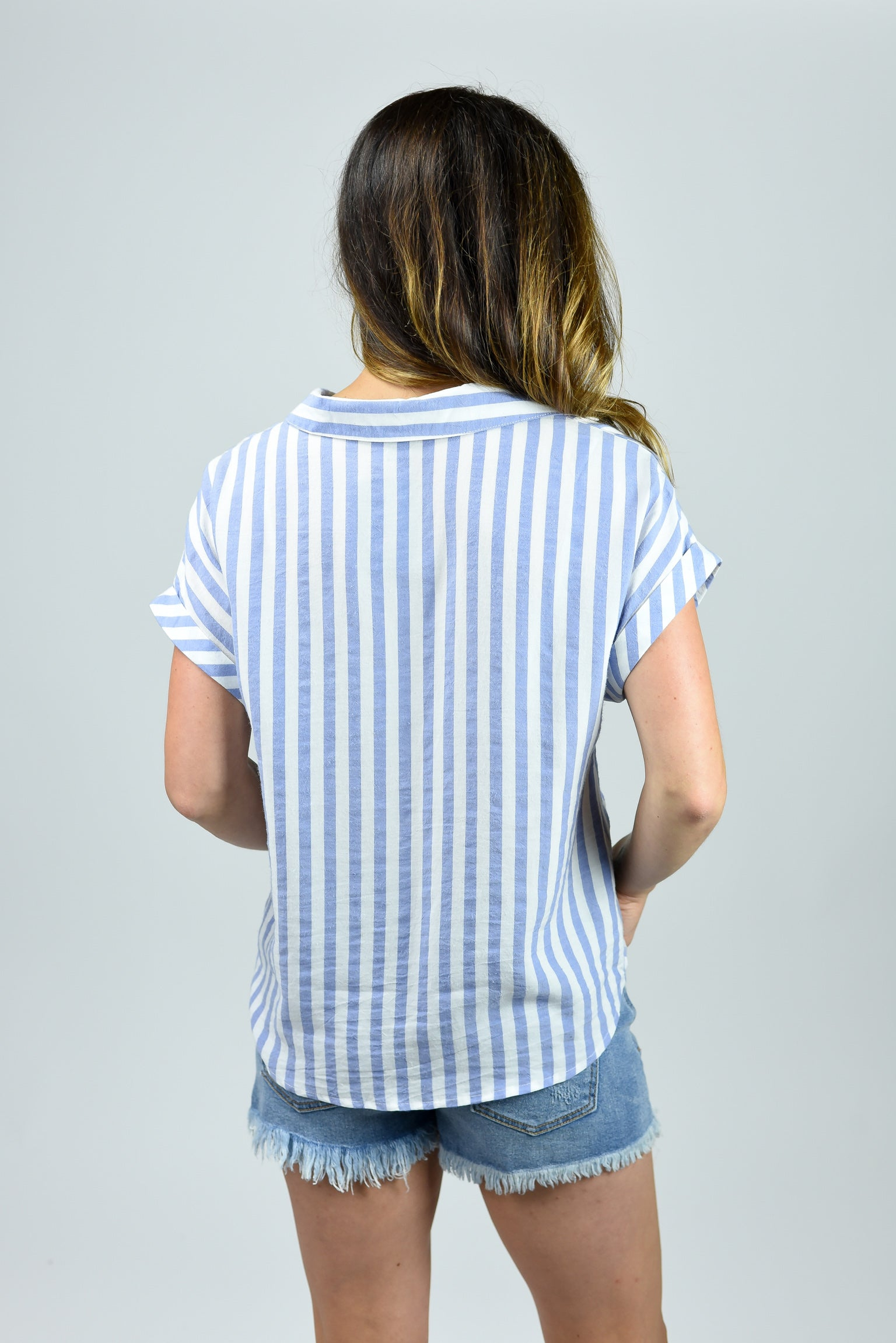Classic Moves Front Twist Cuffed Sleeve Tee