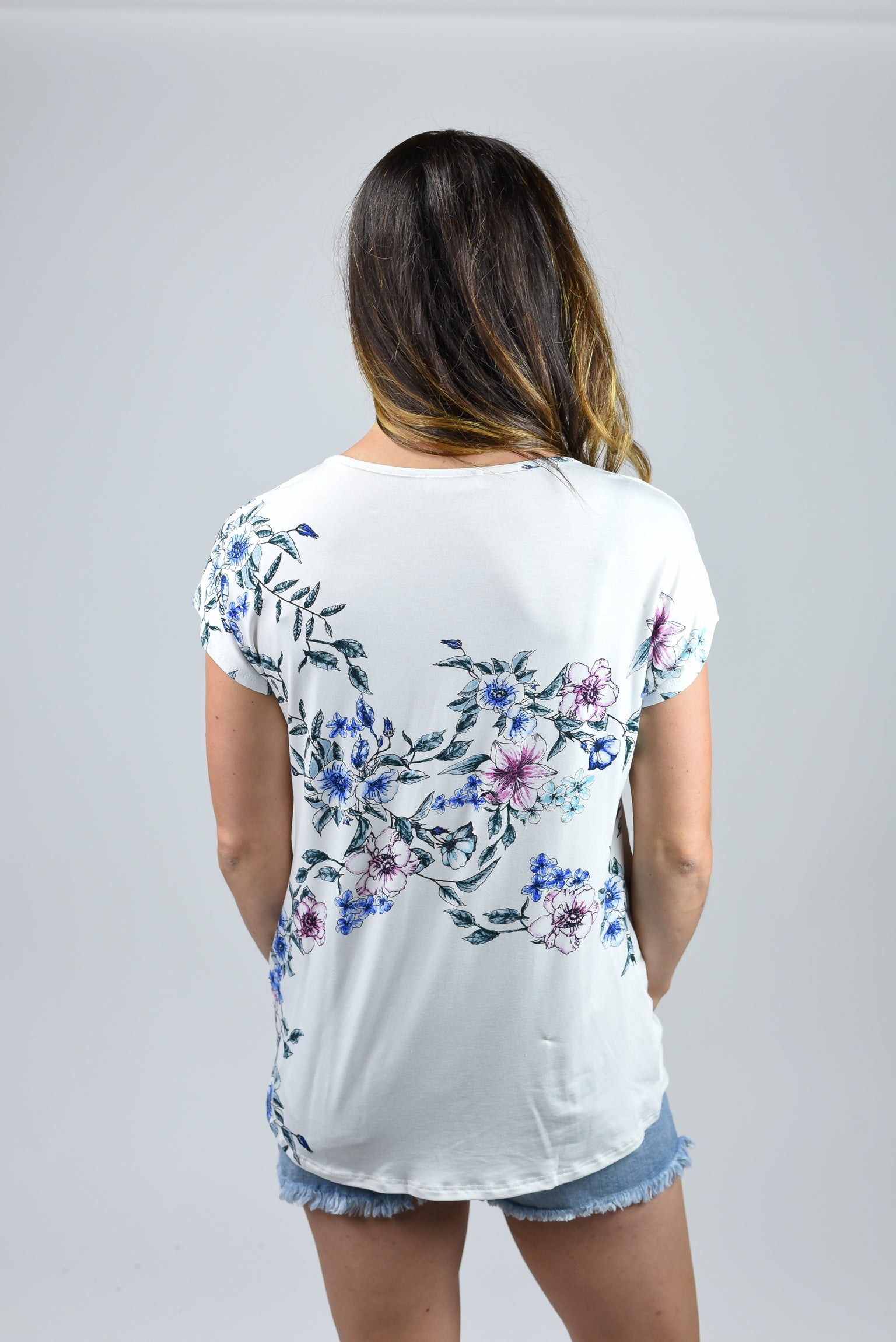 Picnic Perfect Floral Front Twist Ivory Tee