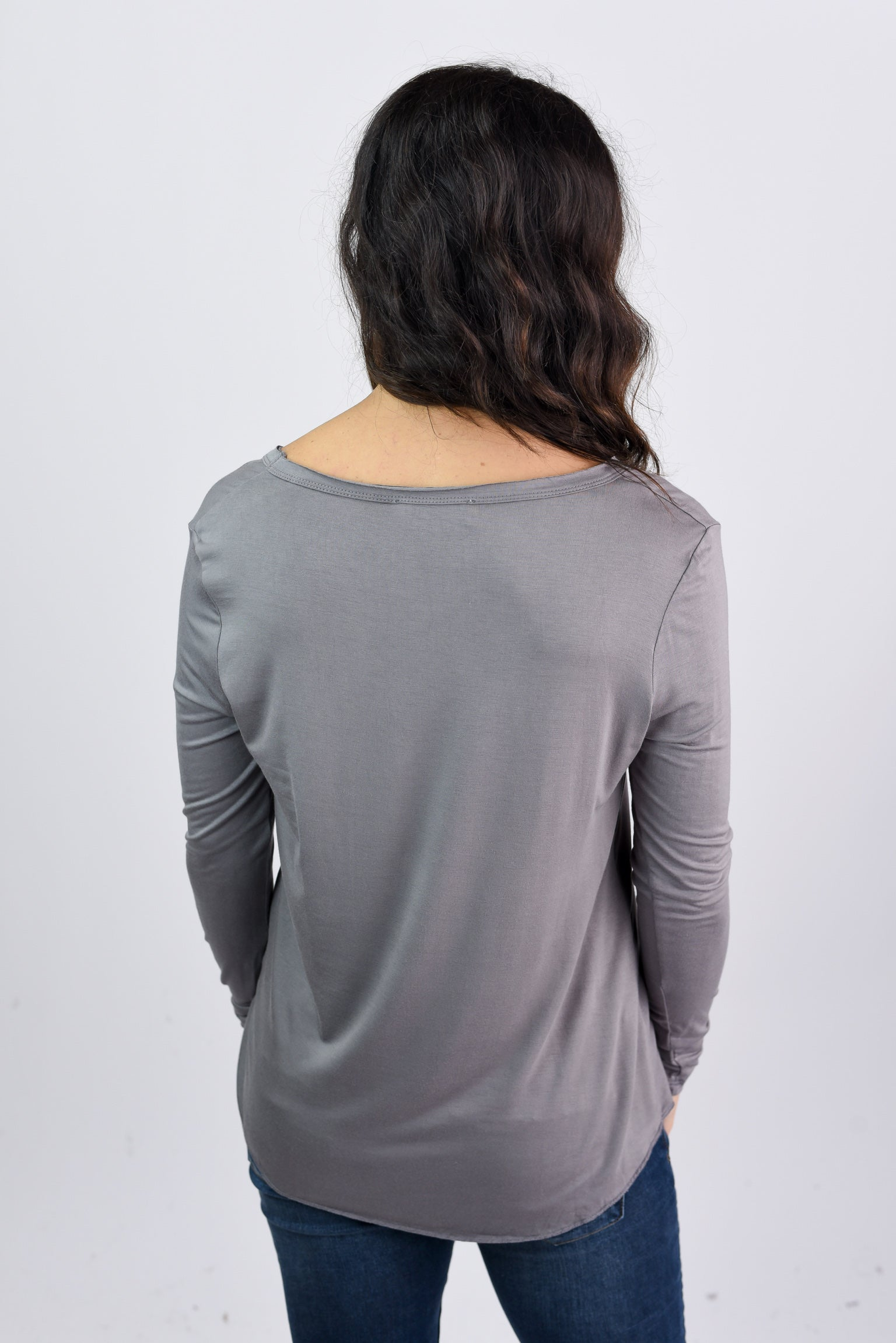 See The Whole World Vneck The Basic Long Sleeve - Slate Grey
