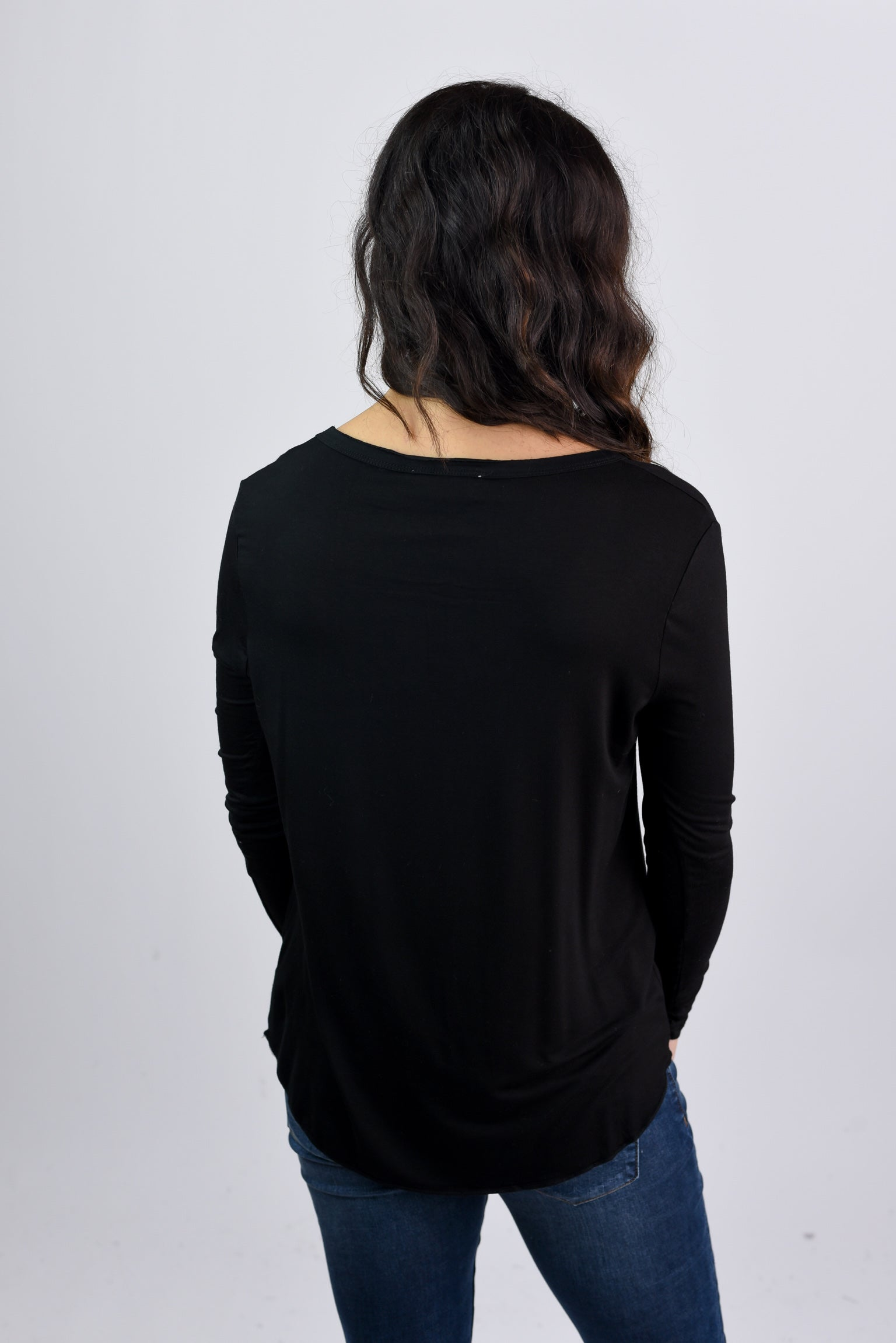 See The Whole World Vneck The Basic Long Sleeve- Black