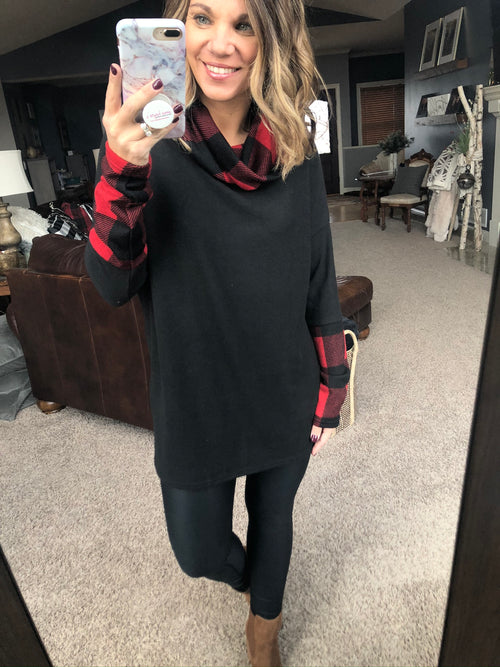 Staying In Tonight Brushed Fleece Cowl Neck w. Red/Black Plaid Details