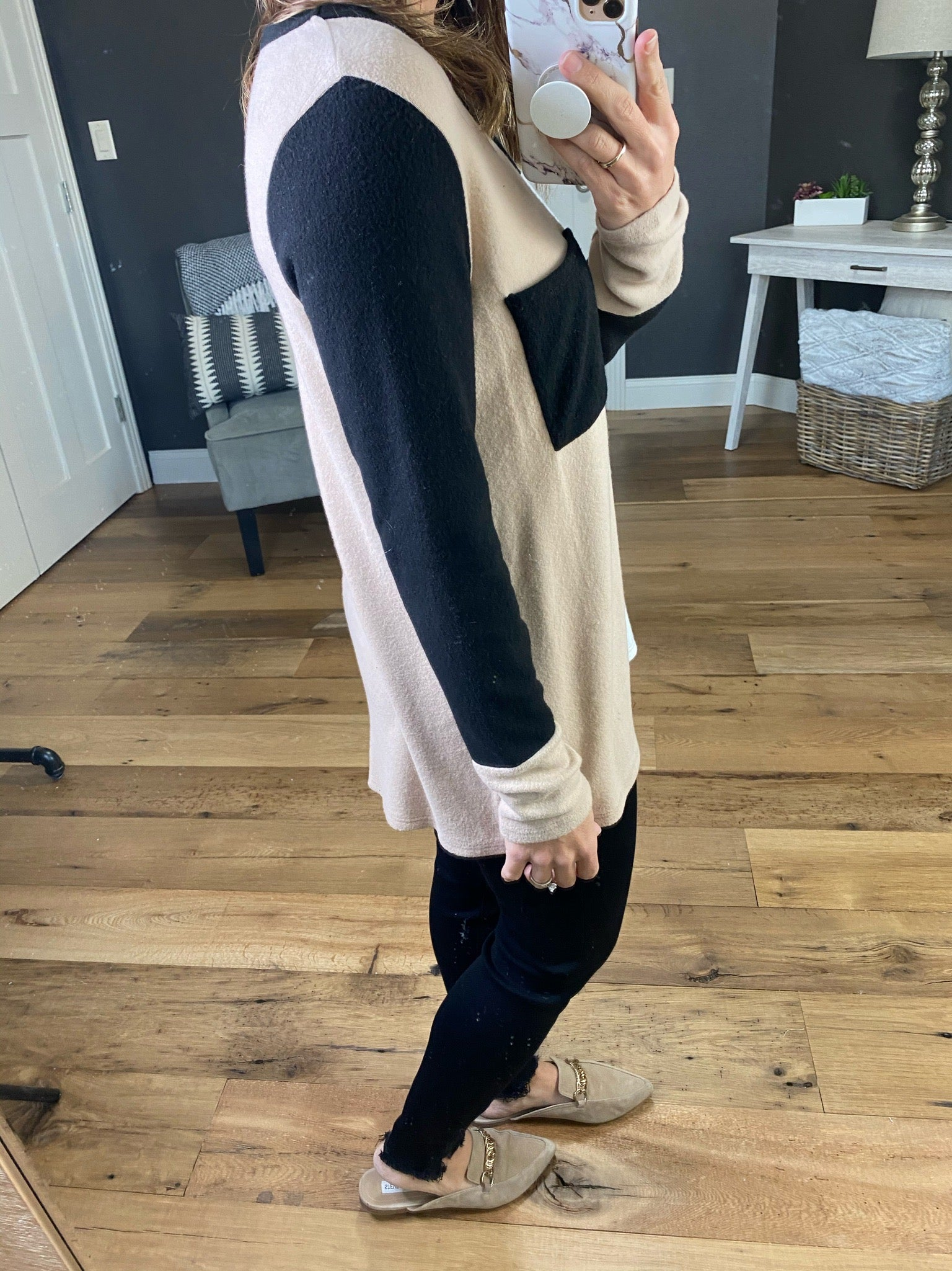 Heart Like Mine Taupe, Ivory & Black Colorblock Brushed Fleece Long Sleeve with Pocket